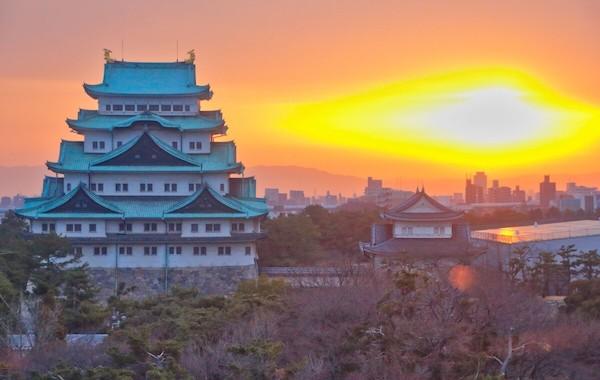 夕焼けと名古屋城