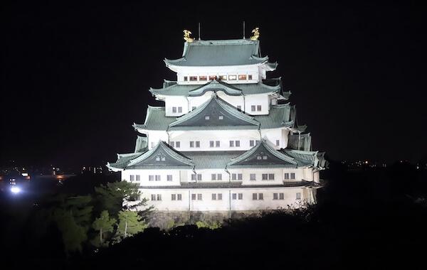 Nagoya castle at night