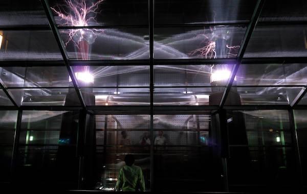 名古屋市科学館の放電ラボ