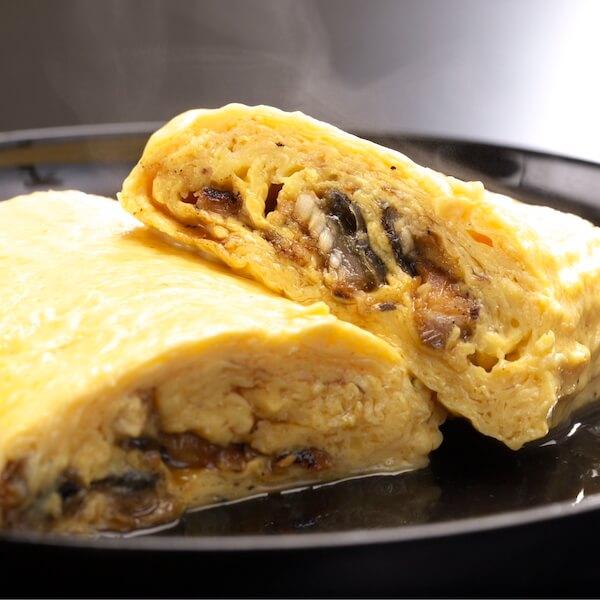 Umaki (omelet-wrapped eel)